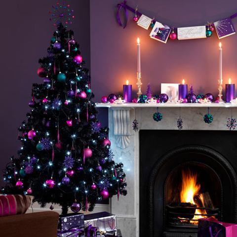 Albero Nero Di Natale Con Palline Rosa E Viola