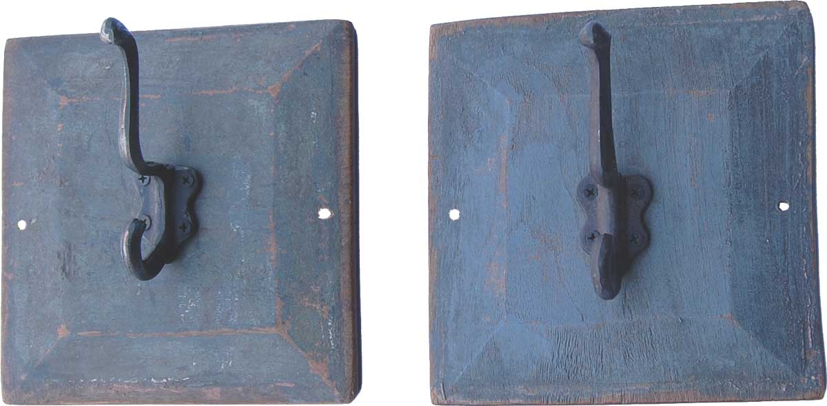TRADEMARK LIVING knage - multifarvet jern og tr, m. udskringer