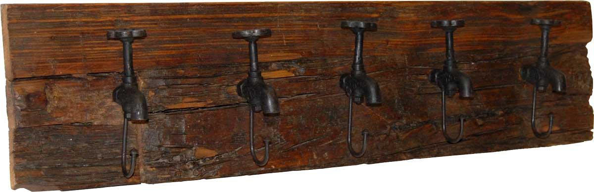 TRADEMARK LIVING knagerkke - mrkt tr og jern m. patina, m. 5 kroge af gamle vandhaner