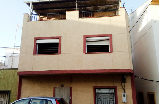 Casa en venta en Calle La Granja- 40, Algeciras