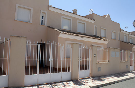 Villa, Terraced for sale en Fuente de Piedra