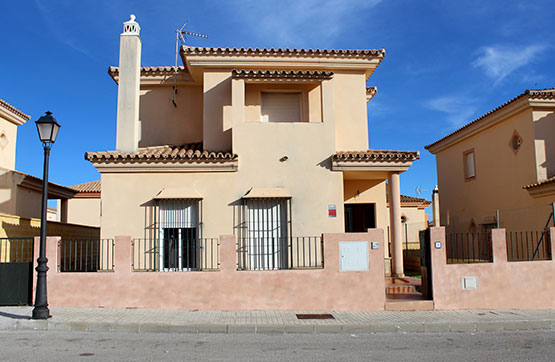 Chalet en venta en Calle VINOS DE MOSCATEL 8, BJ 000, Olivares