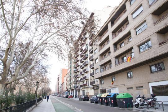 Piso en venta en Calle Vía Pignatelli, Zaragoza