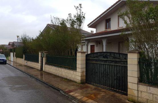 Casa en venta en Calle SANTA INES 2814/2815, Medina de Pomar