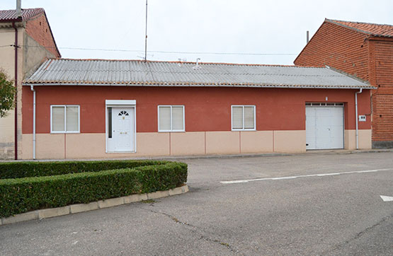 Casa en venta en Plaza MEDIAVILLA, Villazala