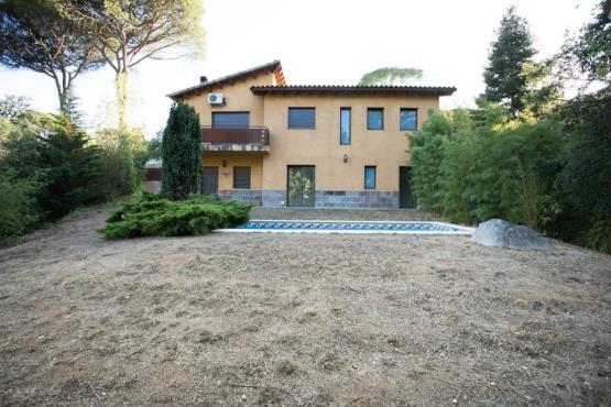 Casa en venta en Riells i Viabrea