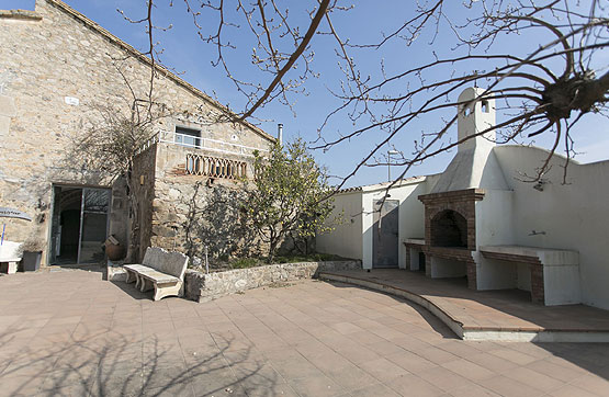 Calle BESALU, S/Nº (VILACOLUM) 0 , Torroella de Fluvià, Girona