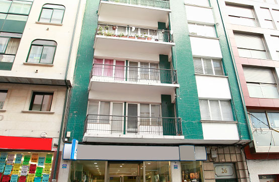 Piso en venta en Avenida ROSALIA DE CASTRO 26, 5º, Ribeira