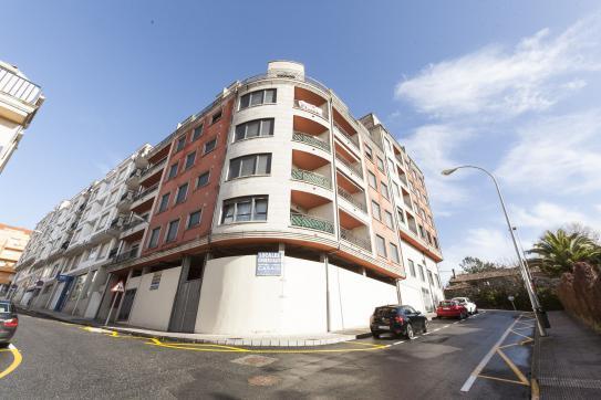 Locales en Sanxenxo - Sanxenxo - Pontevedra. Referencia: 985437