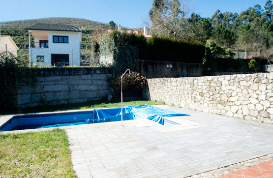 Villa en Tomino