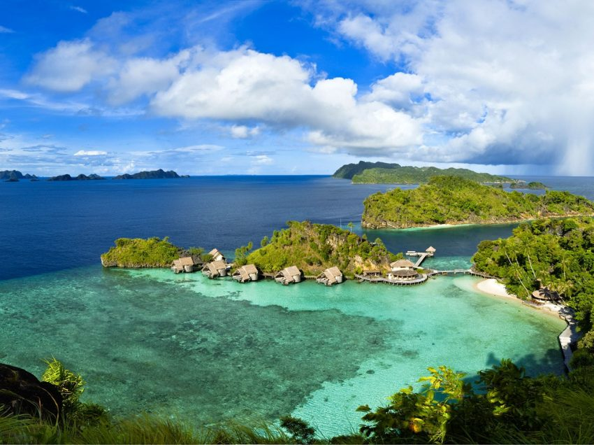 25 Things to Do in Raja Ampat Islands Indonesia (No.1 Heaven Archipelago)
