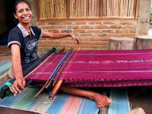 learn the ikat flores