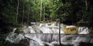 air-terjun-moramo