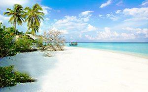 pantai-di-Pulau-macan