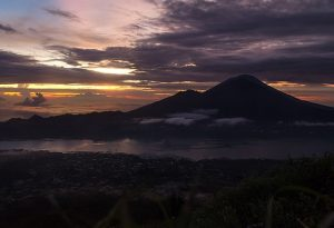 Sunrise_on_Mount_Batur_