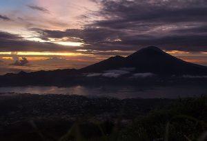 Sunrise_on_Mount_Batur_