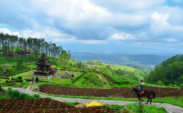 10 Best Things to Do in Ungaran (Stunning Mountain Nature)