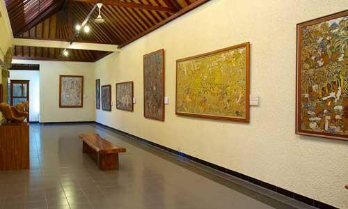 Art at Museum Puri Lukisan