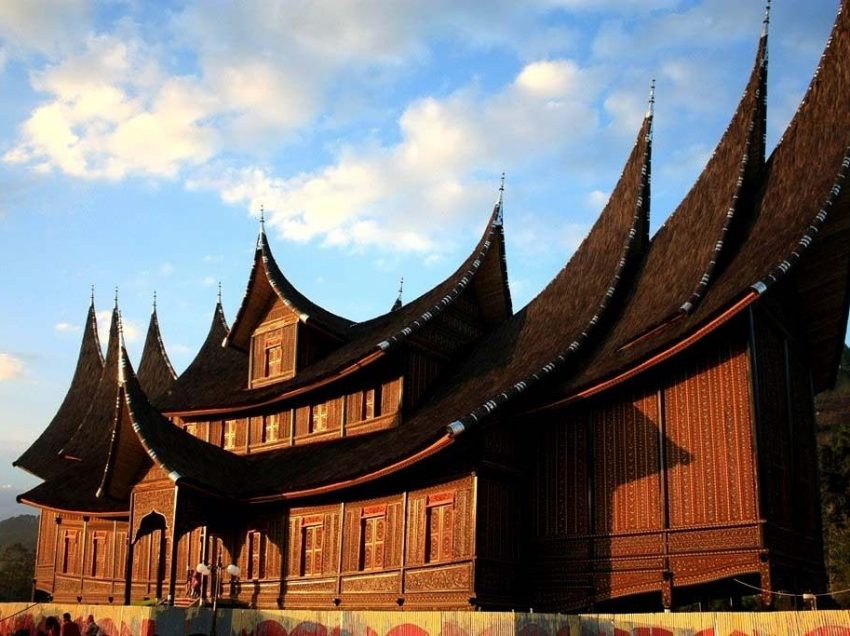 16 Picturesque Things to Do in Pagaruyung Palace