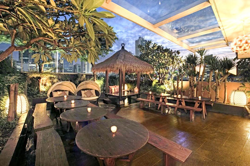Romantic Garden Restaurants in Jakarta with Affordable Outdoor, Fine Dining for Your Special Date !