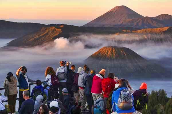 367ba6be bromo tengger semeru national park guide - 5 Gunung Dengan Pemandangan Terindah di Indonesia