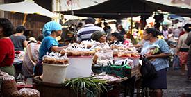 Where to Shop in Semarang - Gang Baru Market