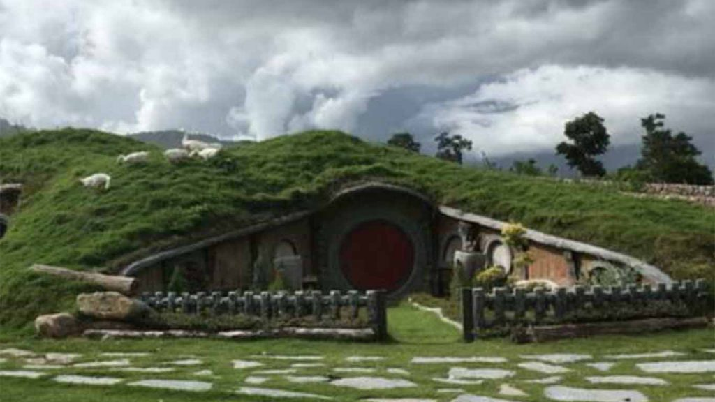 This image has an empty alt attribute; its file name is a97be525-hobbit-hill-eco-village-1024x576.jpg