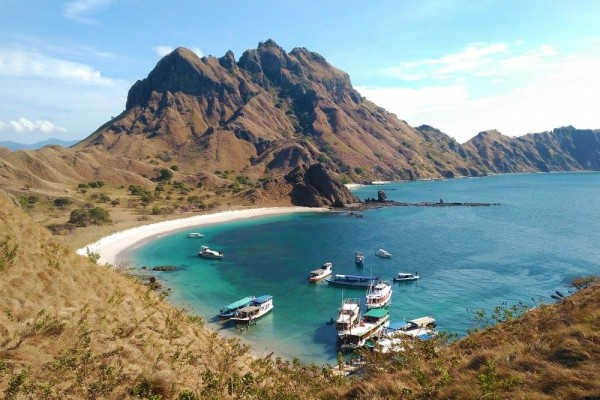 How Do You Get from Labuan Bajo to Komodo Island : One Step to Heaven