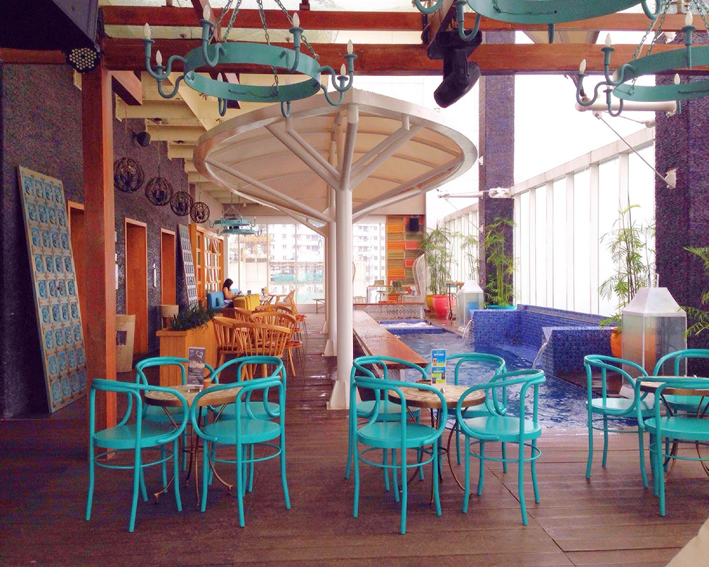 The Rooftop Bars in Jakarta with Stunning View and Cheap Drinks : Fancy Yet Affordable