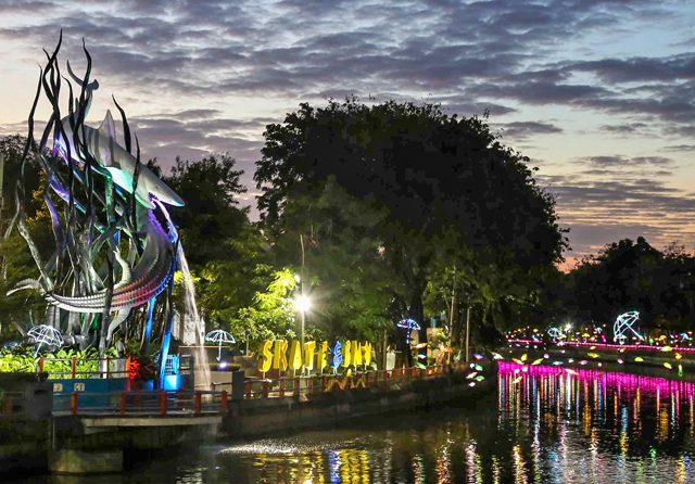 Where to Go to Surabaya During Summer Vacation: 10 Best Attractions