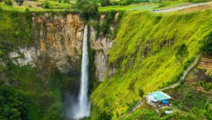 Sipiso-piso Waterfall