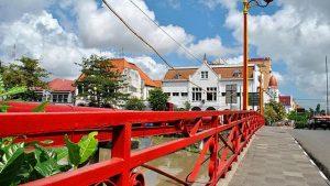 The Red Bridge, Surabaya