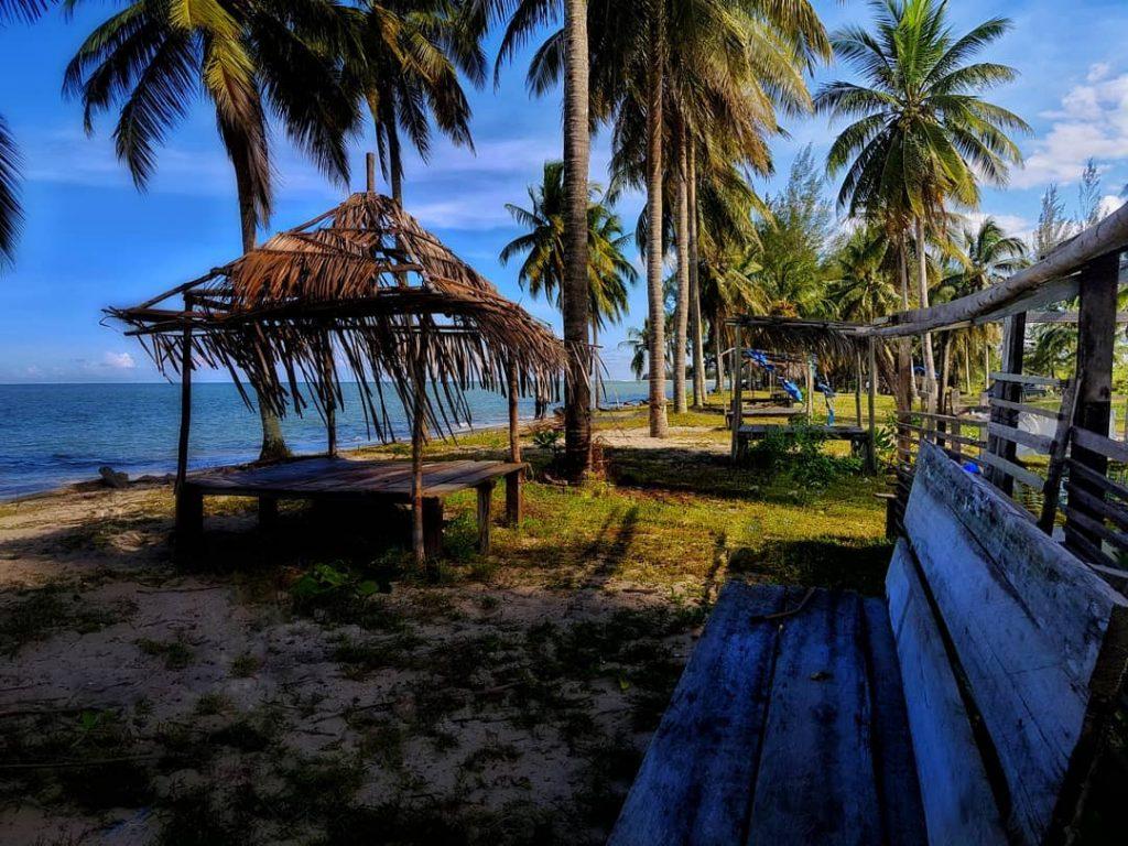 Kelapa Beach (Photo by apriady22 on Instagram)