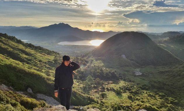 Mount Ambang (Photo by @kotakotamubagu)