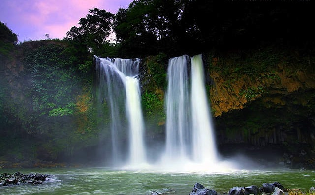 Bengkawah Waterfall (Photo by cikarsya.blogspot.com)