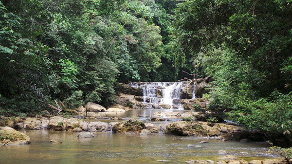 Idaman Waterfall (Photo by kopertraveler.id)