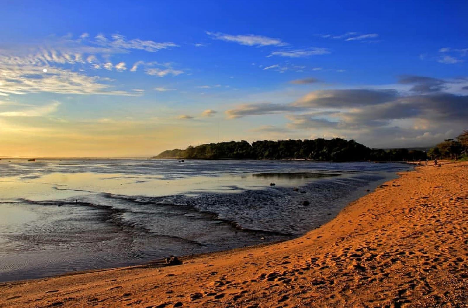Sayang Heulang Beach
