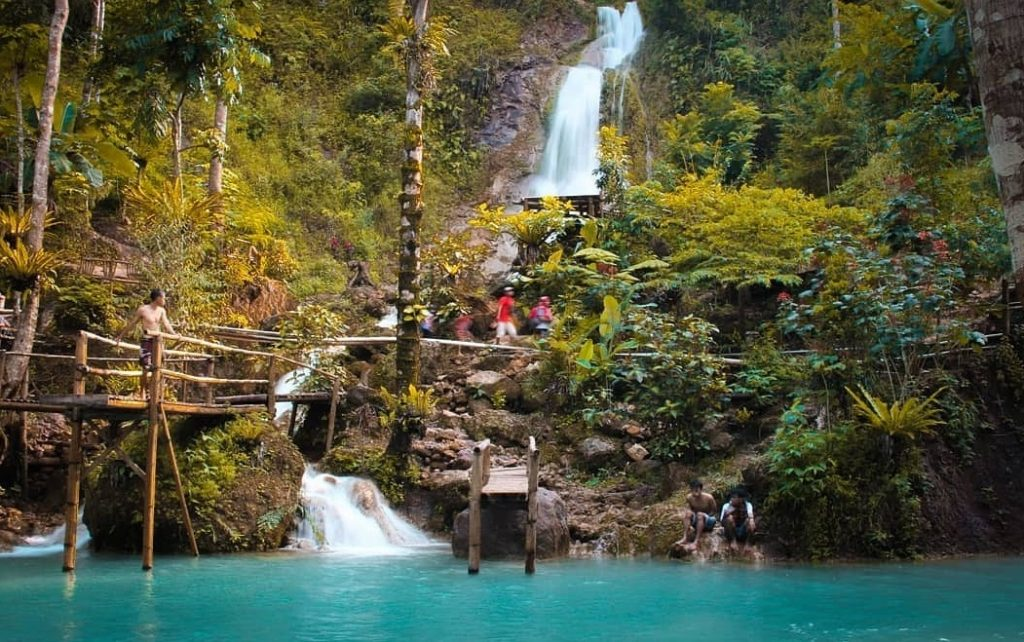 Kembangs Soka Waterfall
