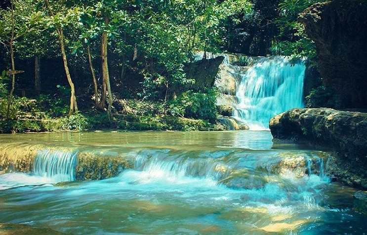Lepo Dlingo Waterfall