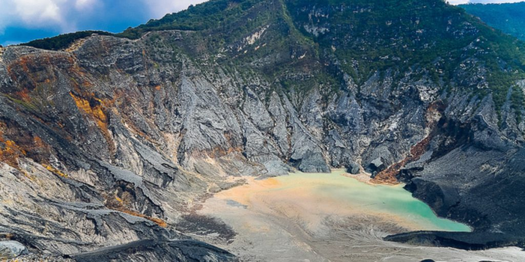 Mount Tangkuban Perahu