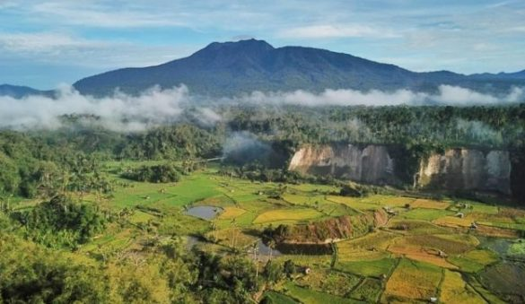 mountains to hike in lampung