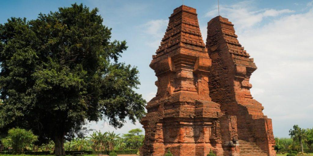 Wringinlawang Temple