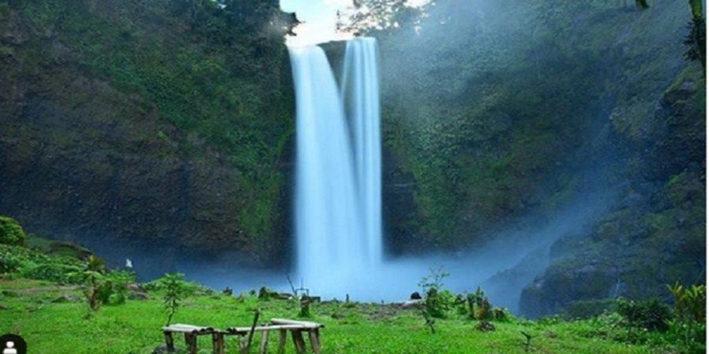 Sang Hyang Waterfall