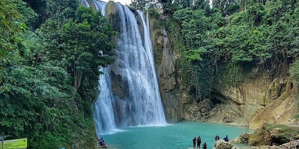 Nglirip Waterfall