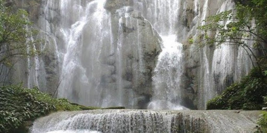 Kanndawu Ndawuna Waterfall