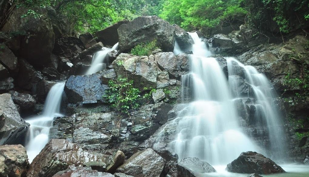 tarlawi waterfall