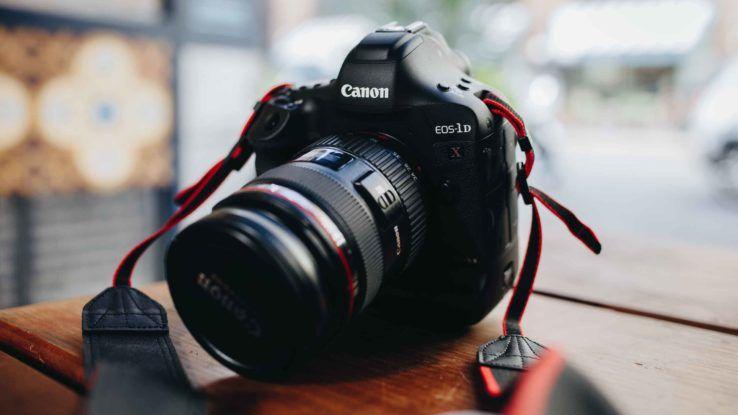 كاميرا DSLR أفضل كاميرا تصوير للمبتدئين