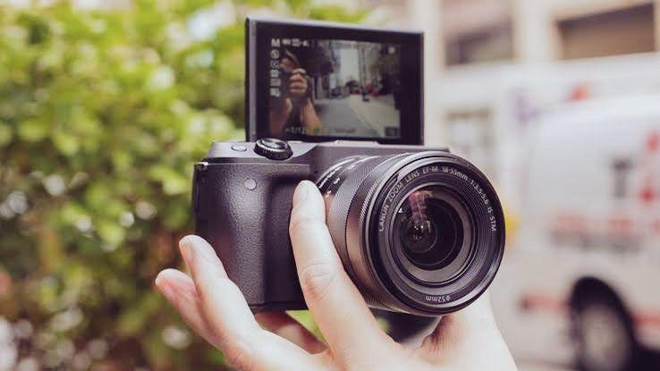 كاميرا كانون canon EOS M100