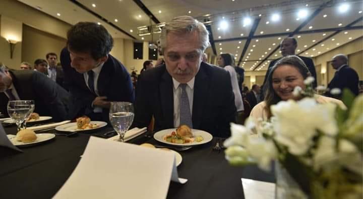 EL FMI PRESIONA LOS FERNANDEZ PESTANEAN