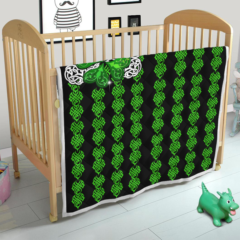 Personalized Lovely Quilt Throw Blanket St Patrick's Day Irish Clover Pattern 1 Lightweight Super Soft Cozy For Decorative Couch Sofa Bed